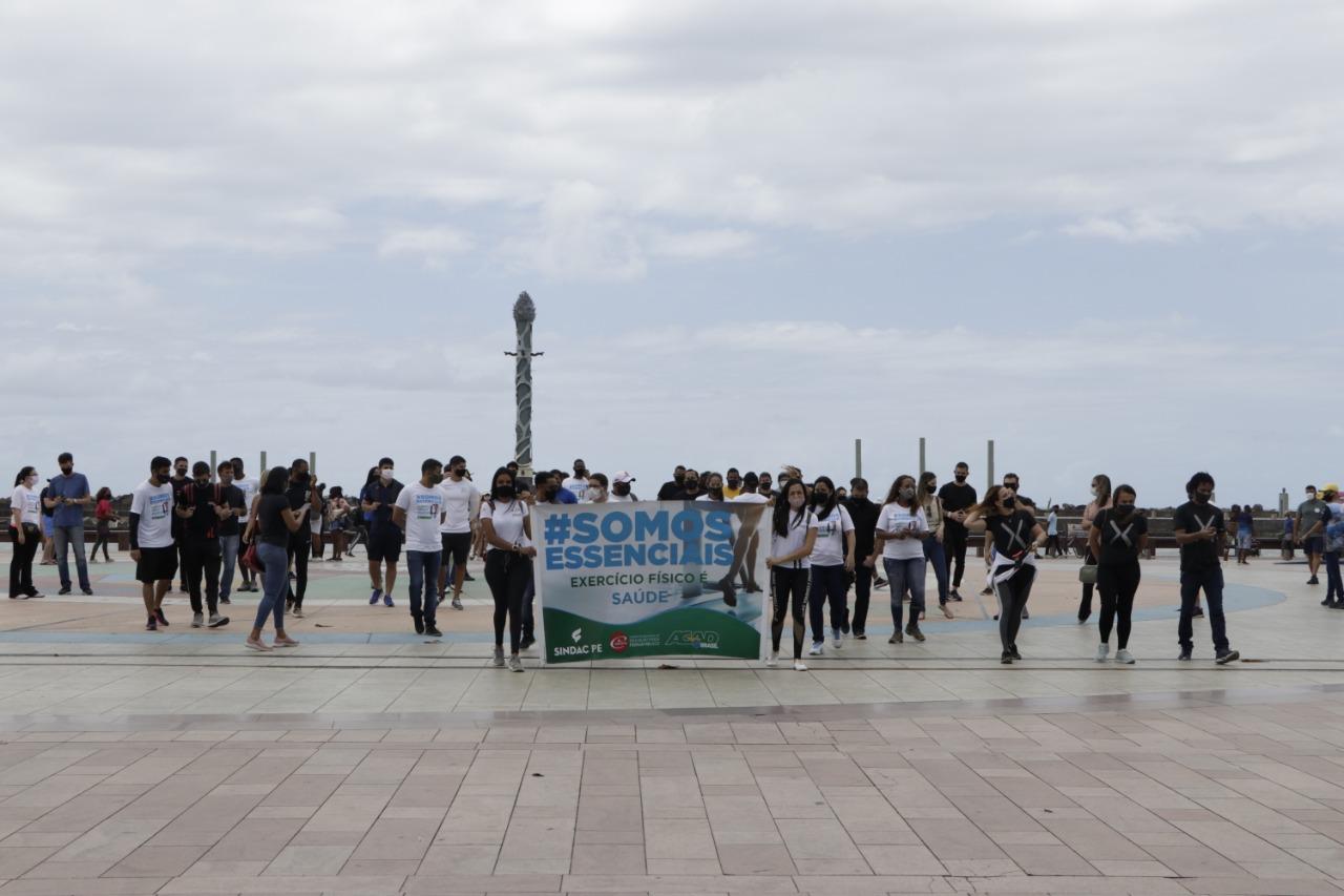 CREF12/PE participa de protesto promovido pelo Movimento #SomosEssenciais